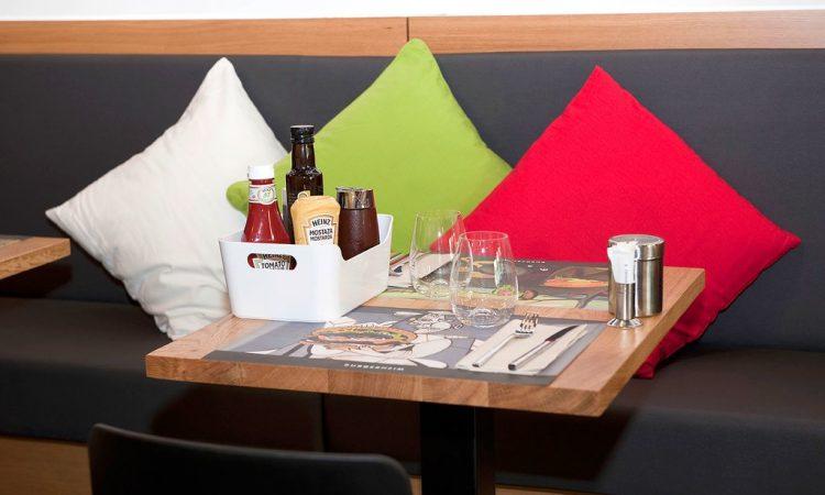 adra360-proyectos-bares-y-restaurantes-burgerheim-5